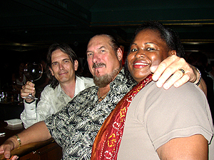 Charlie Morris, Steve Cropper and Tiza B having a drink in Montreux